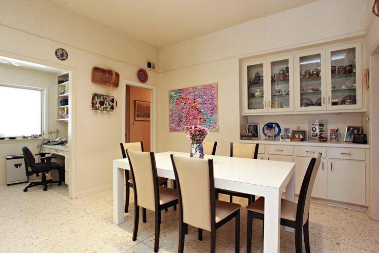 Angolo studio in salotto arredamento casa come for Riviste arredamento casa