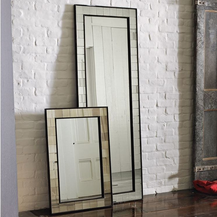 Lo specchio in soggiorno per ampliare lo spazio - Arredamento casa - Allargare lo spazio con gli ...