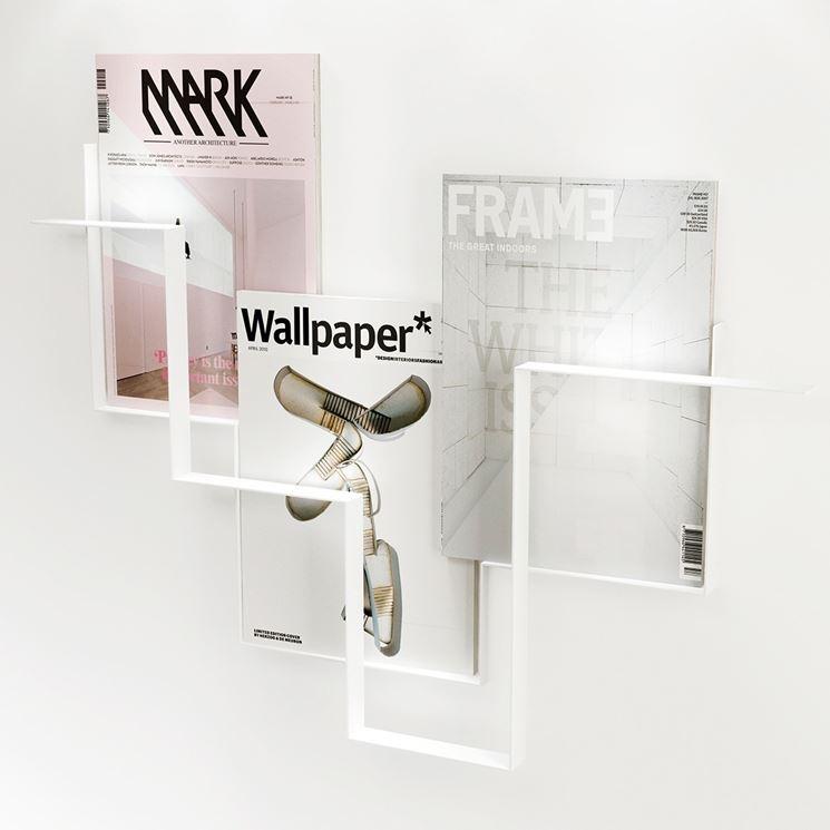 esempio di porta riviste per pareti