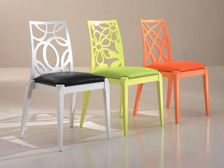 Sedie in legno di design per il soggiorno arredamento for Sedie da tavolo moderne