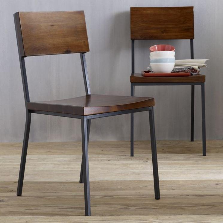 esempio di sedia in legno di design
