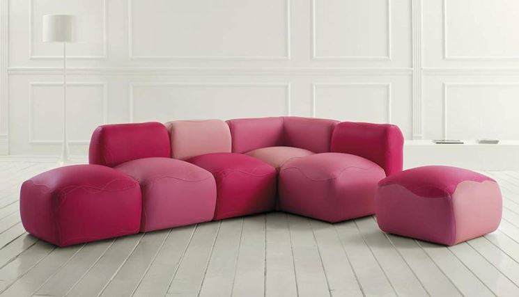 Divani moderni prezzi divano for Prezzi divani moderni