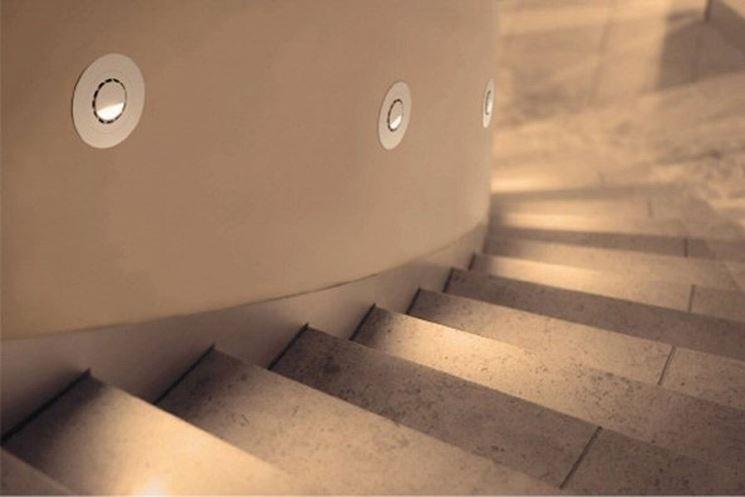Plafoniere A Led Per Scale Condominiali : Illuminazione a led in condominio lampade per