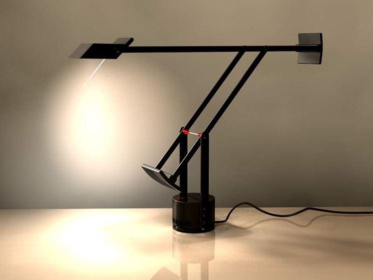 Lampade da tavolo desing lampade lampade design da interno for Lampade tonde da tavolo