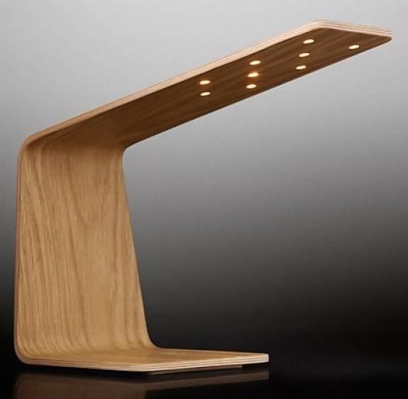 Lampade in legno lampade for Lampade da comodino particolari