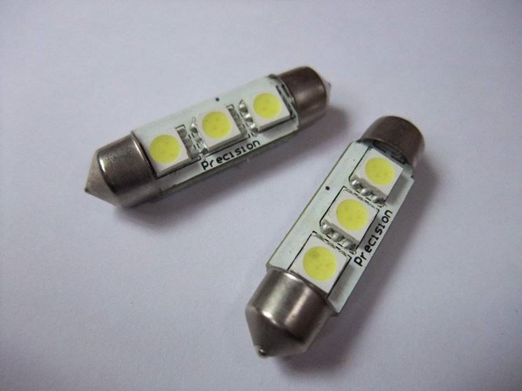 Lampadine a led per auto lampade for Auto interieur verlichting