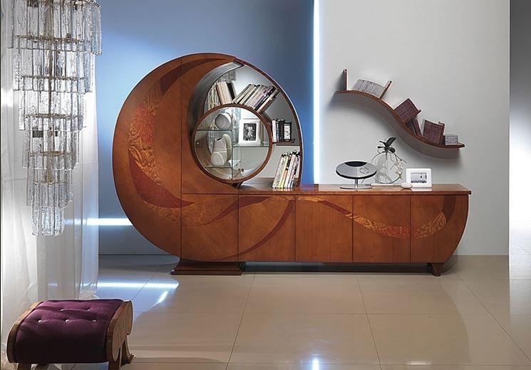 mobile in legno con libreria a spirale