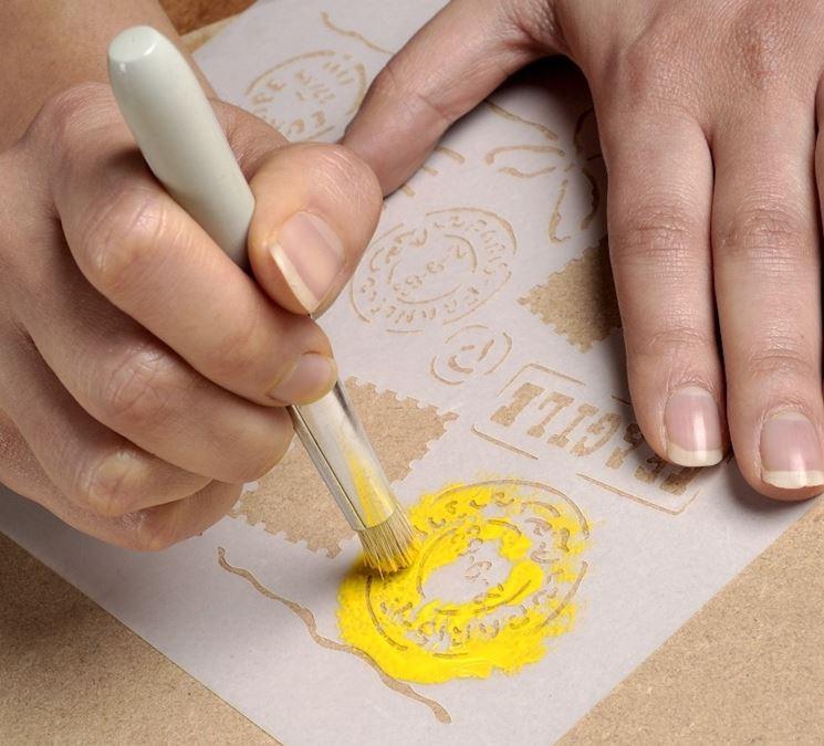 decorare con lo stencil