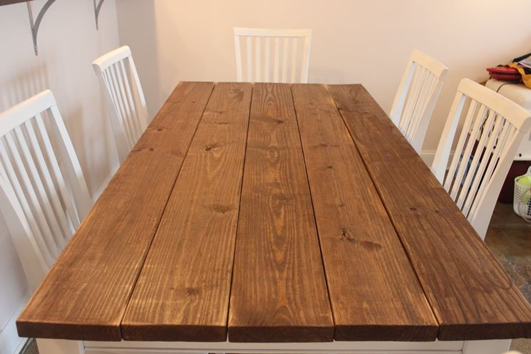 Come restaurare un tavolo restauro come rinnovare un - Come rinnovare una cucina in legno ...