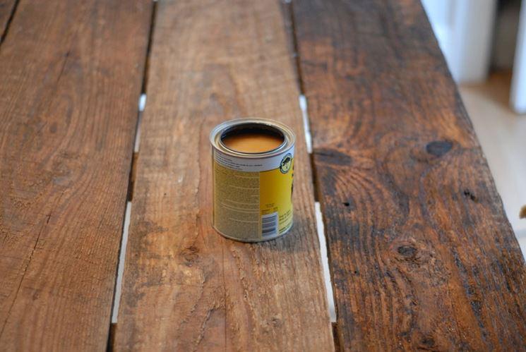 Lucidare il legno con gommalacca