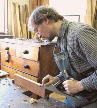 Restaurare mobili fai da te restauro - Restauro mobili impiallacciati ...