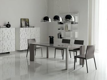 tavoli da pranzo in metallo