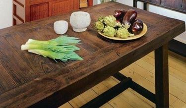 Tavoli di legno massello