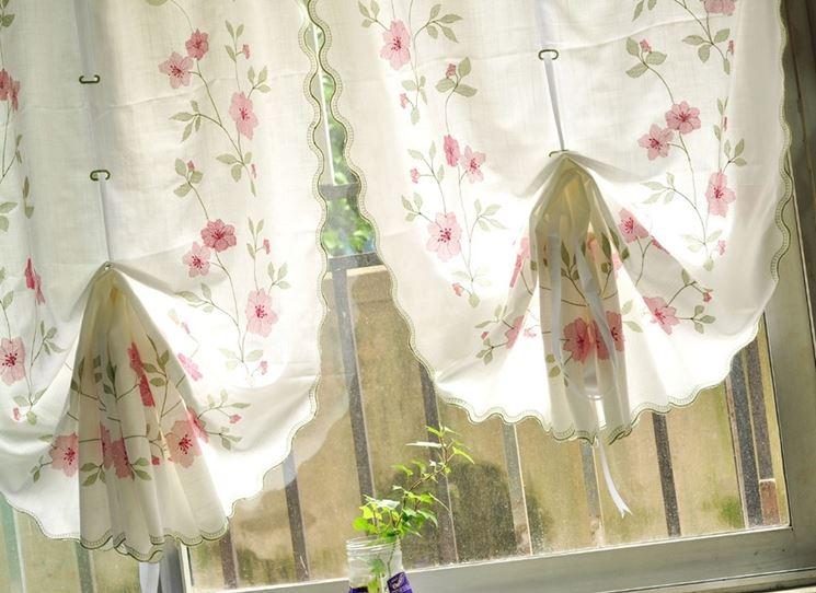 Tende da cucina, stile e colore - Tendaggi - Scegliere le tende da ...