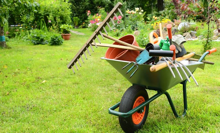 utensili da giardino