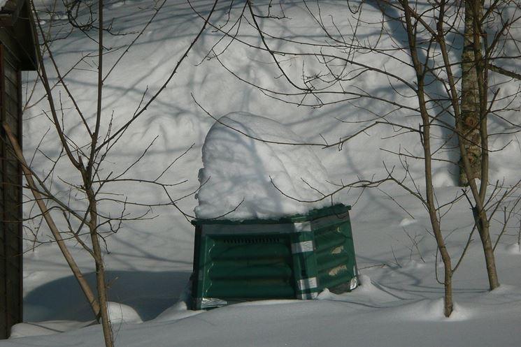 Compostiera attrezzi da giardino la compostiera for Costruire compostiera