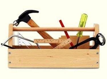 attrezzi per fissare il legno