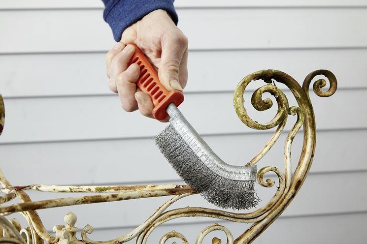 Spazzola per sverniciare metalli