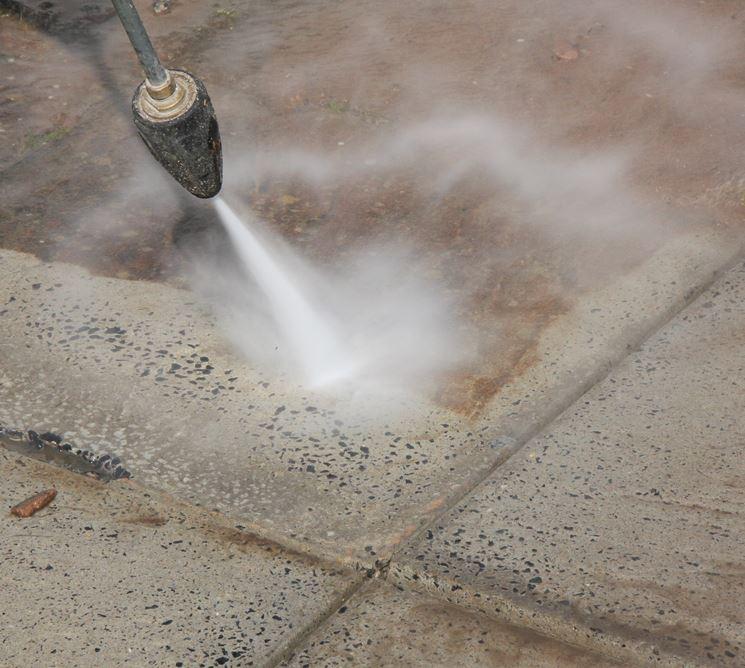 pulire con idropulitrice