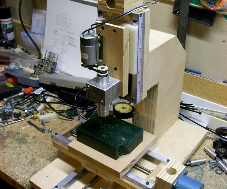 Fresatrice per la lavorazione del legno