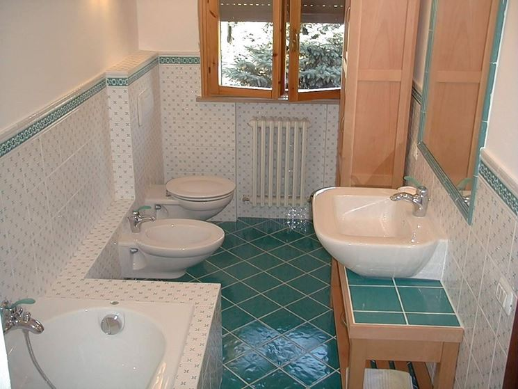 Arredare un piccolo bagno bagno for Arredare un bagno piccolo