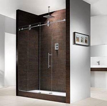 installare un box doccia tre lati
