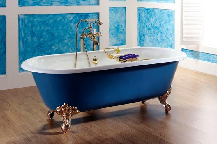vasca da bagno retrò blu