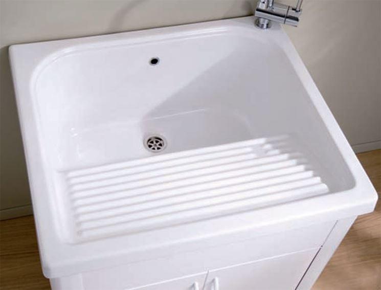 Un lavabo per lavanderia