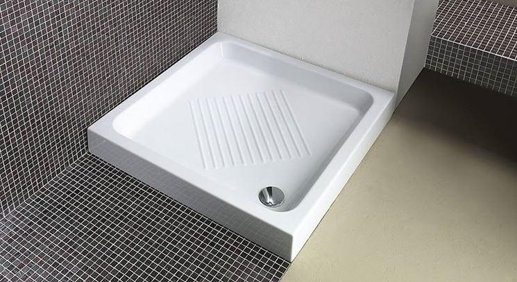 Piatto doccia ceramica bagno - Posa piatto doccia prima o dopo piastrelle ...