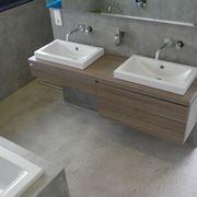 bagno con rivestimento in resina