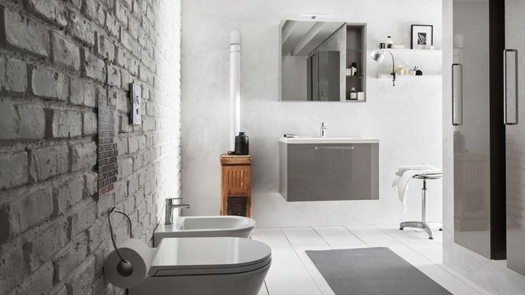 Specchi per bagno bagno tipologie di specchi per bagno for Mobili per arredare il bagno