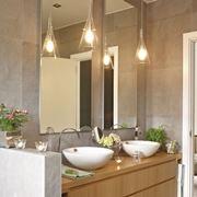 Specchio del bagno con luce