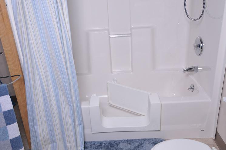 Trasformazione vasca da bagno per anziani - Bagno - Come allestire ...