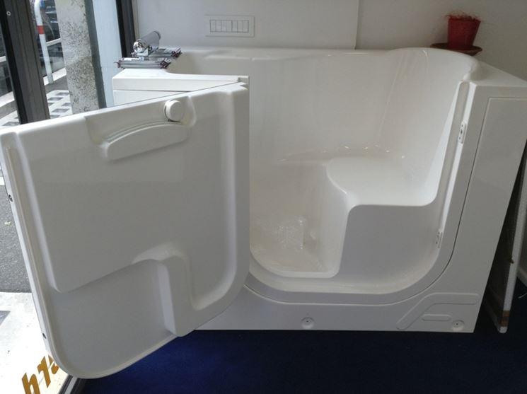 Vasche Da Bagno Con Sportello : Trasformazione vasca da bagno per anziani bagno come allestire