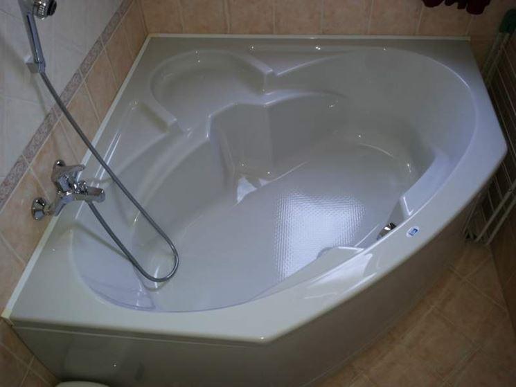 Vasca da bagno tradizionale misure design casa creativa - Misure vasche da bagno angolari ...