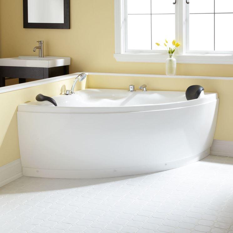 Vasche da bagno angolari per il relax domestico - Bagno - Installare vasca da bagno ad angolo