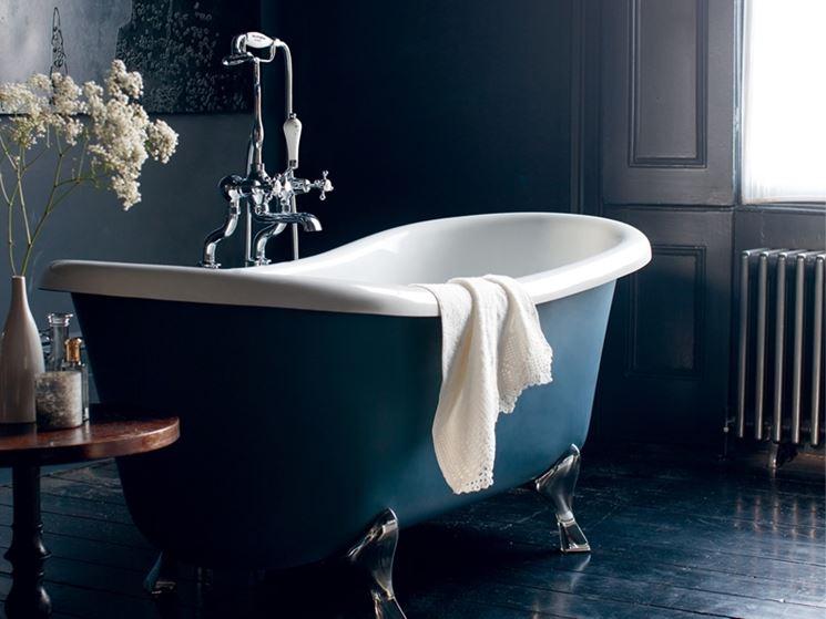 Vasche da bagno colorate bagno idee e consigli per for 2 br 2 piani casa bagno