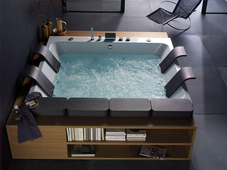 Vasche da bagno extralarge bagno for Dimensioni vasche da bagno angolari