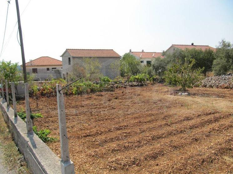 Terreno edificabile costruire una casa for Costruire una casa per 100k