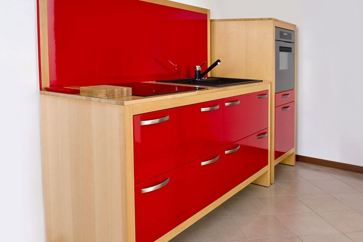 Cucina monoblocco rossa