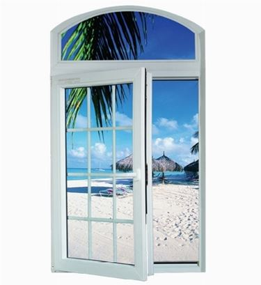 finestra con sfondo mare