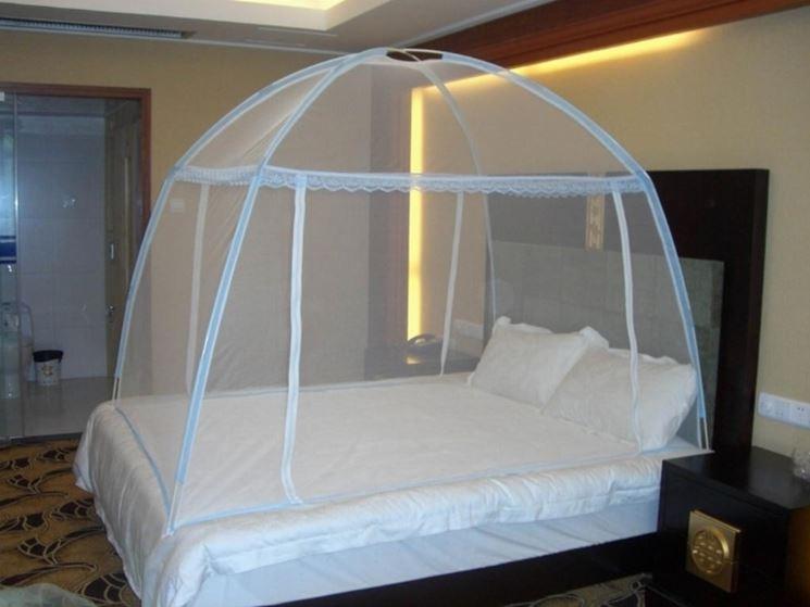 zanzariera per letto