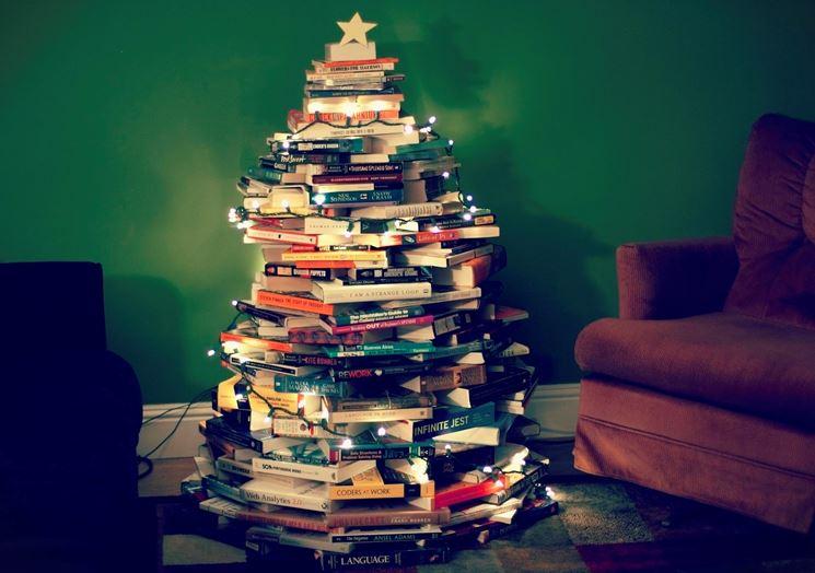 albero di Natale con libri