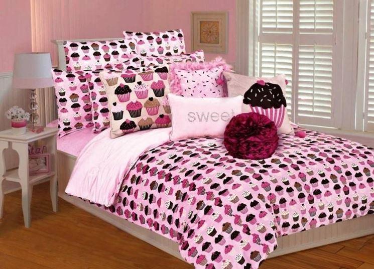 Biancheria da letto oggetti di casa - Oggetti camera da letto ...