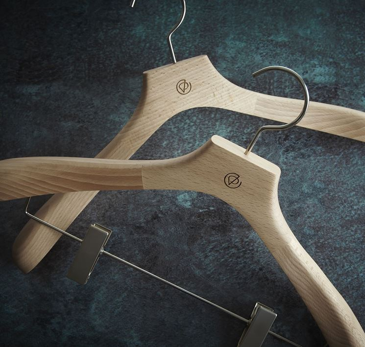 grucce in legno per armadio