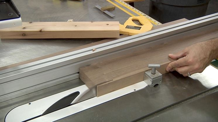 taglio listelli in legno