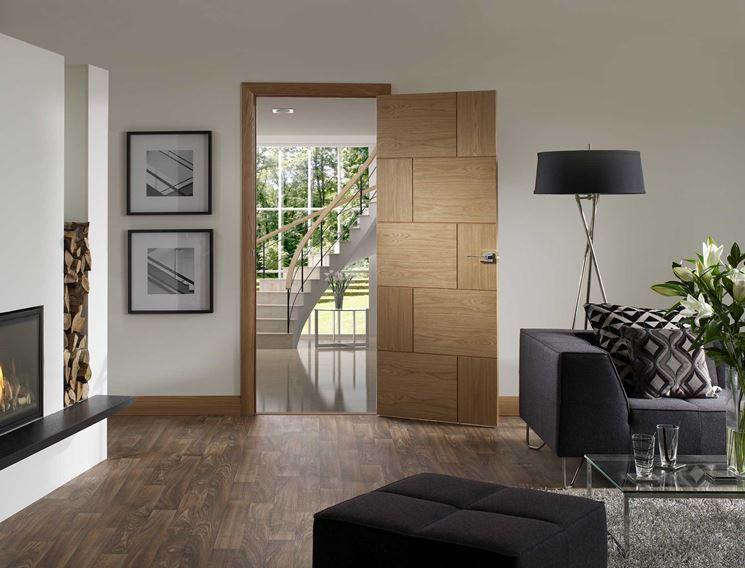 esempio di porta interna in legno