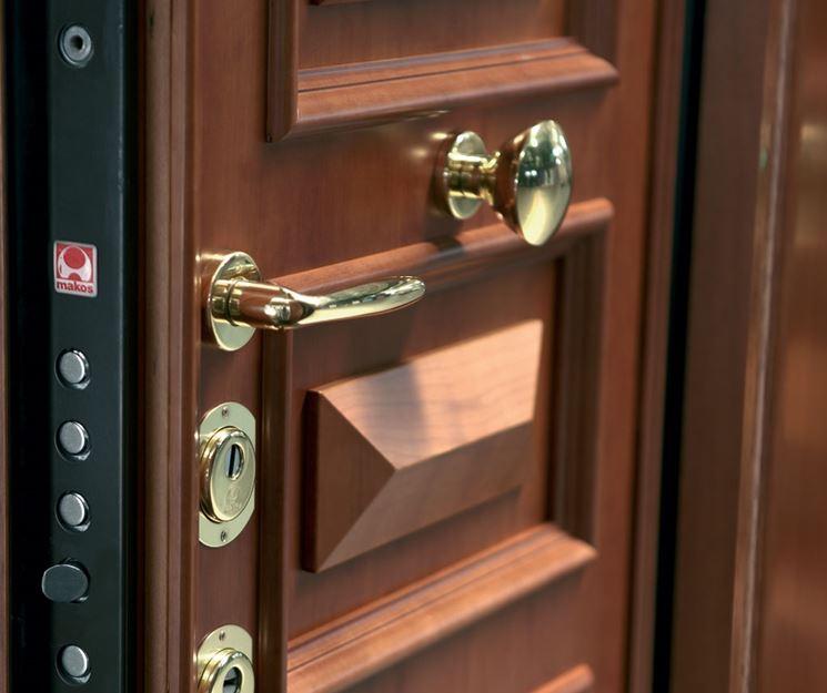 Posa in opera telaio per porta blindata - Porte - come avviene la ...