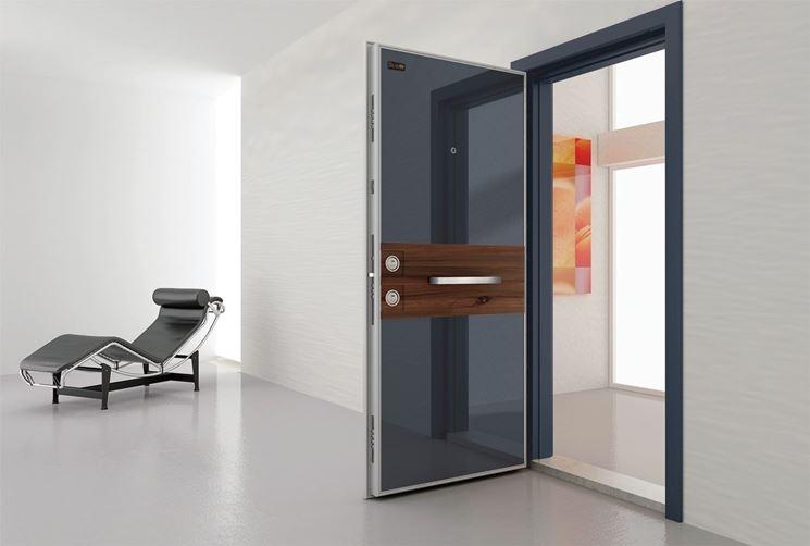 scassinare porte blindate Si chiama elettra ed è una porta blindata che non utilizza chiavi ma un avanzato sistema keyless con tessera a microchip per gestire tutte le.
