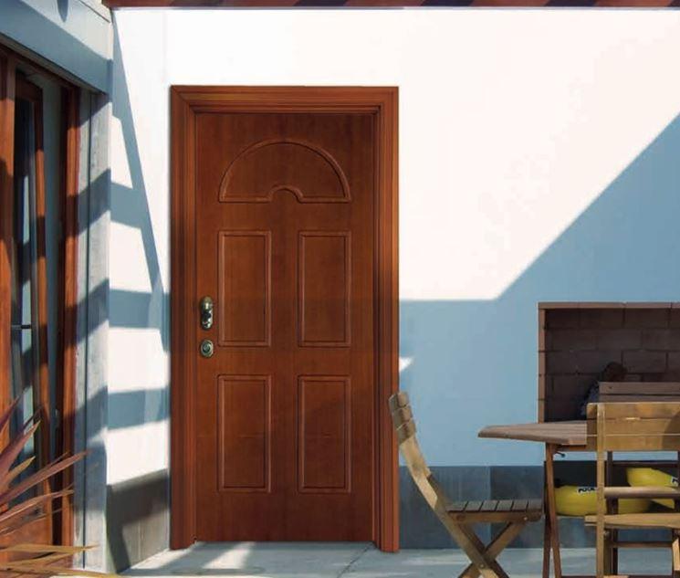 porta di casa in legno